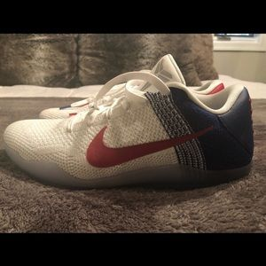 "Men's Nike Kobe 11 ""USA"" Edition Shoes"
